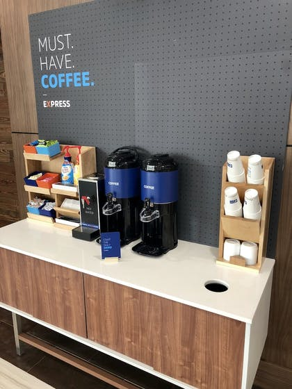 Coffee Service | Holiday Inn Express and Suites Houston Westchase - Westheimer