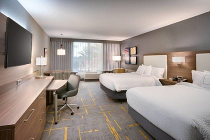 Guestroom | TownePlace Suites by Marriott Los Angeles LAX/Hawthorne