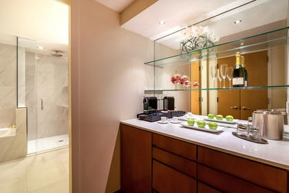 In-Room Coffee | Concorde Hotel New York