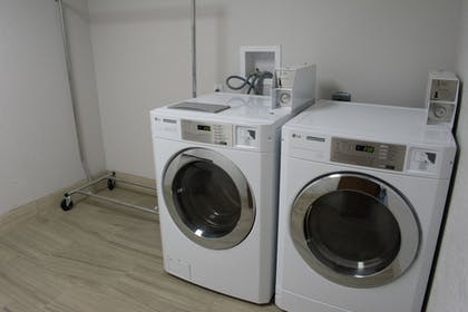 Laundry Room | Holiday Inn Express and Suites West Memphis