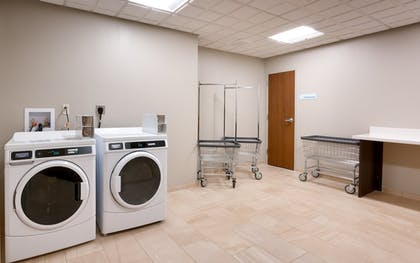 Laundry Room   Holiday Inn Express & Suites Gainesville I-75