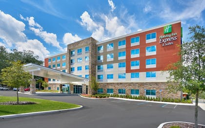 Exterior   Holiday Inn Express & Suites Gainesville I-75