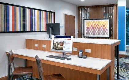 Business Center   Holiday Inn Express & Suites Gainesville I-75