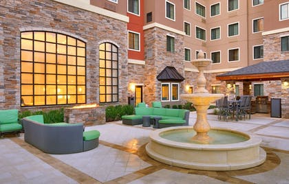 Property Grounds   Holiday Inn Express & Suites Gainesville I-75