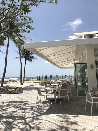 Outdoor Dining | Fisher Island by Sunnyside Resorts