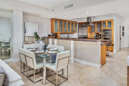 In-Room Dining | Fisher Island by Sunnyside Resorts