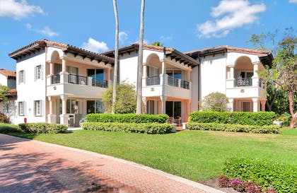 Exterior | Fisher Island by Sunnyside Resorts