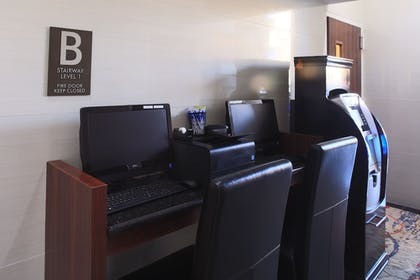 Business Center | Madison LES Hotel