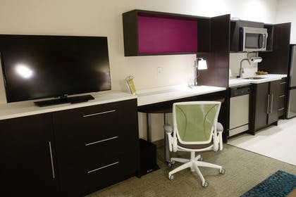 Guestroom | Home2 Suites by Hilton Raleigh Durham Airport RTP