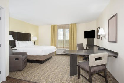 Room | Candlewood Suites Rochester Mayo Clinic Area