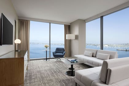 Living Room | Intercontinental San Diego