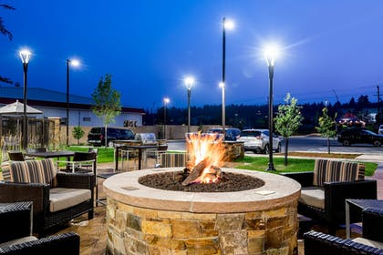 BBQ/Picnic Area | TownePlace Suites by Marriott Whitefish