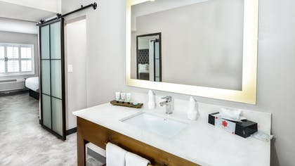 Bathroom Sink | Hollywood Inn Suites Hotel