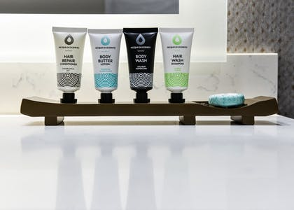 Bathroom Amenities | Hollywood Inn Suites Hotel