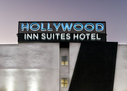 Exterior | Hollywood Inn Suites Hotel