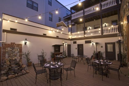 Outdoor Dining | The National Hotel Jackson