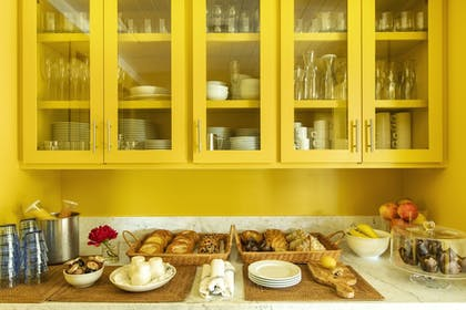 Breakfast buffet | Hotel 850 SVB West Hollywood at Beverly Hills