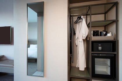 Guestroom | AC Hotel by Marriott Beverly Hills