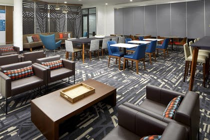 Lobby | TownePlace Suites by Marriott Columbus Easton Area