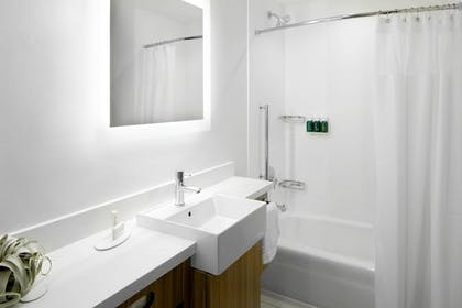 Bathroom | SpringHill Suites by Marriott Columbus Easton Area