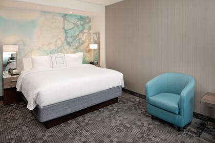 Guestroom | Courtyard by Marriott Dallas Downtown/Reunion District