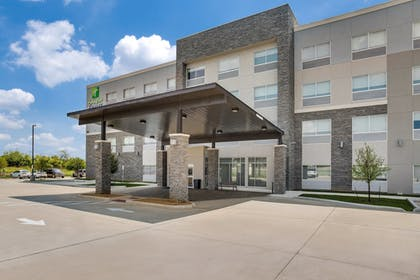 Exterior | Holiday Inn Express And Suites Denton South