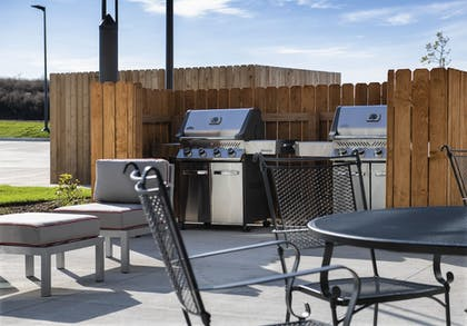 BBQ/Picnic Area | Best Western Plus West Lawrence