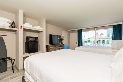 Room | Waikiki Village Retro Motel by Oceana Resorts