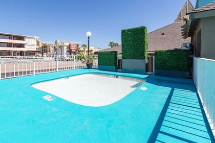 Children's Pool | Waikiki Village Retro Motel by Oceana Resorts