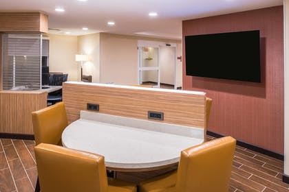 Hotel Bar | TownePlace Suites by Marriott Ontario Chino Hills