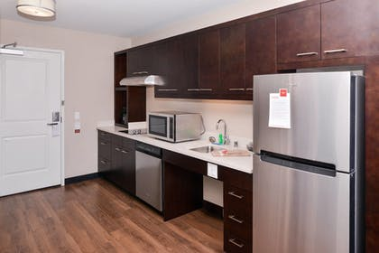 Guestroom | TownePlace Suites by Marriott Ontario Chino Hills