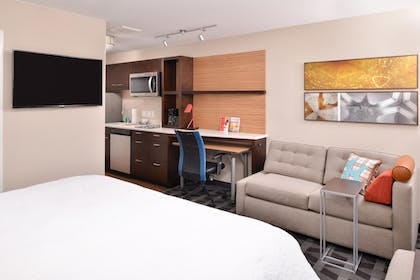 Living Area | TownePlace Suites by Marriott Ontario Chino Hills