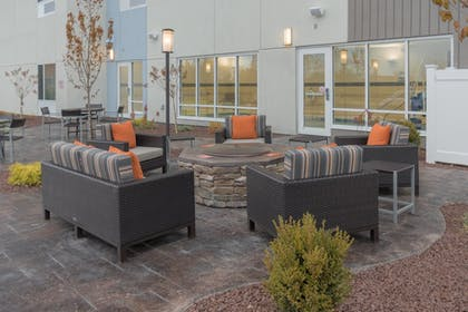 Terrace/Patio | TownePlace Suites by Marriott Syracuse Liverpool