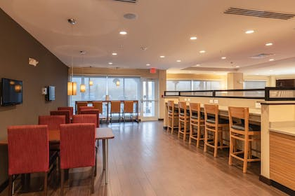 Restaurant | TownePlace Suites by Marriott Syracuse Liverpool