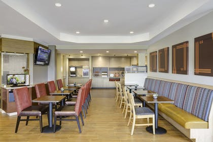 Restaurant | TownePlace Suites by Marriott Houston Baytown