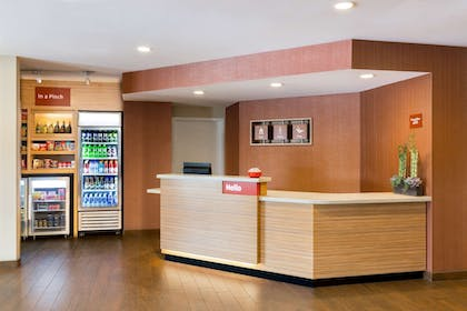 Lobby | TownePlace Suites by Marriott Houston Baytown