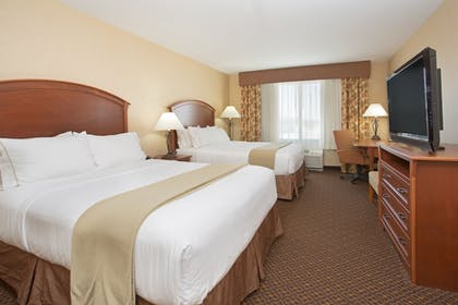 Guestroom | Holiday Inn Express Mitchell