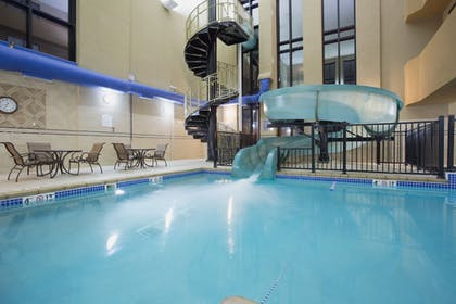 Sports Facility | Holiday Inn Express Mitchell