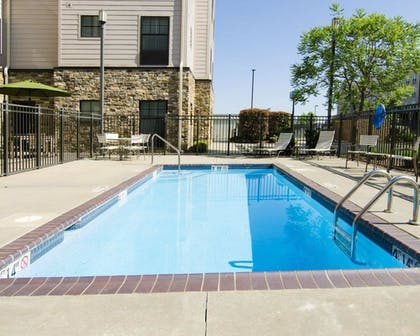Pool | MainStay Suites Rogers near I-49