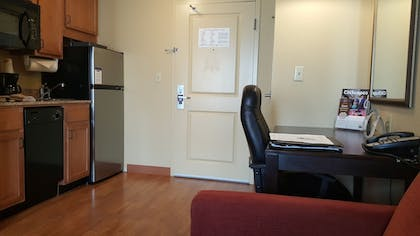 In-Room Kitchenette | MainStay Suites Rogers near I-49
