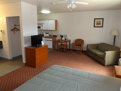 Living Area | Sierra Vista Extended Stay