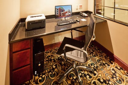 Business Center | Holiday Inn Express & Suites Yukon