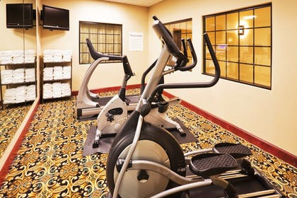 Fitness Facility | Holiday Inn Express & Suites Yukon