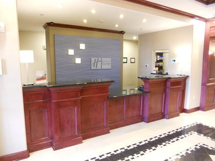 Hotel Interior | Holiday Inn Express & Suites Yukon