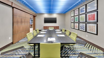 Meeting Facility | Holiday Inn Express & Suites Yukon