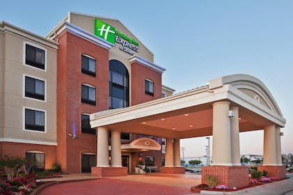 Featured Image | Holiday Inn Express & Suites Yukon