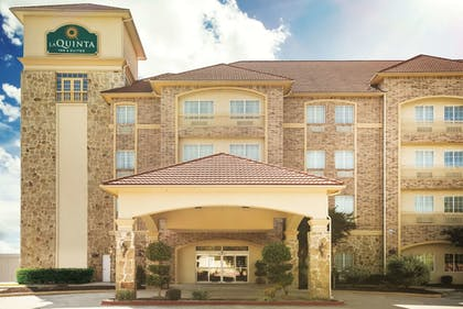 Exterior | La Quinta Inn & Suites by Wyndham Dallas South-DeSoto