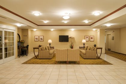 Lobby | Candlewood Suites Sheridan