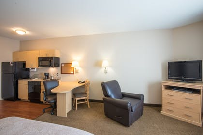 Living Area | Candlewood Suites Sheridan