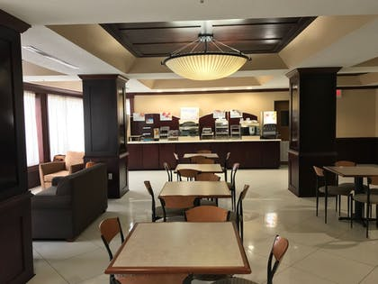 Restaurant | Holiday Inn Express Hotel & Suites Magee